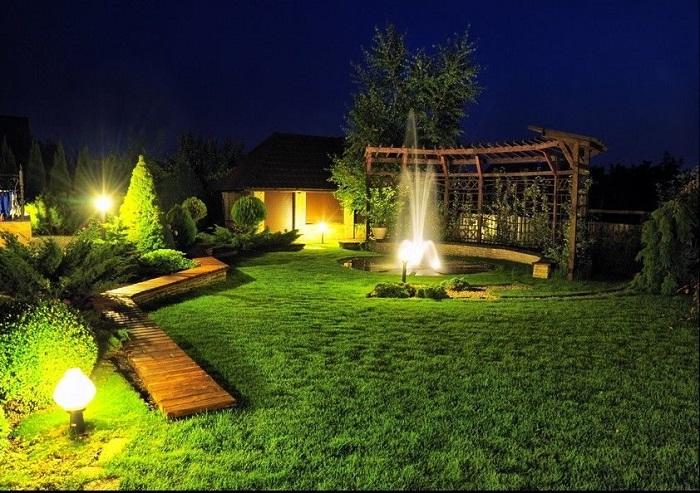 подсветка зоны отдыха на участке красивая
