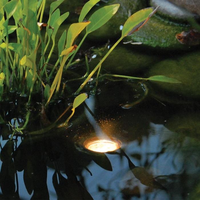 светодиодный светильник для водоёма