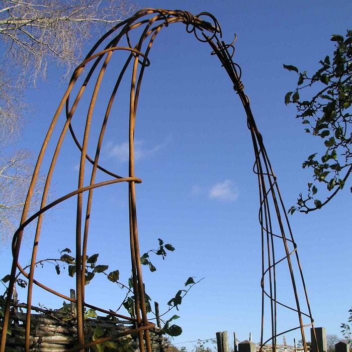 арка из прутьев стальных своими руками