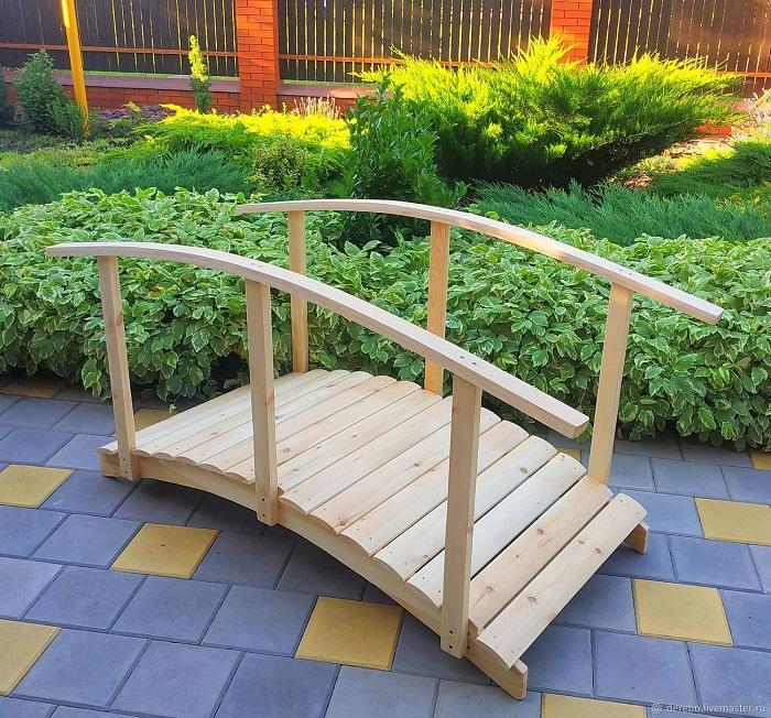 простой мостик из дерева