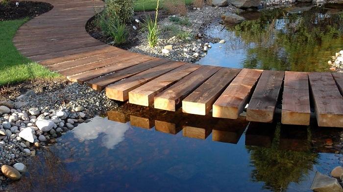 пошаговые мостики для водоёма из дерева