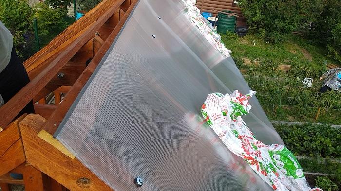 поликарбонат на крышу теплицы