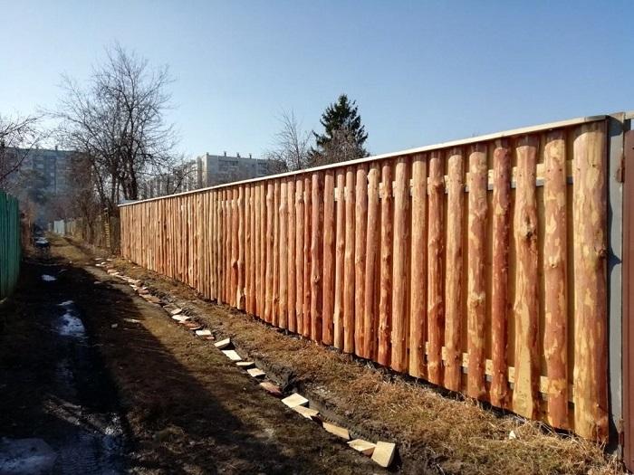 двусторонний забор из горбыля