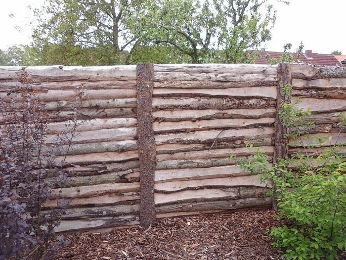 забор из горбыля лесенкой